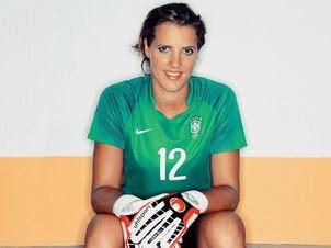 0e0561b1a Beautiful Female Football Players  Thaís Ribeiro Picarte ...