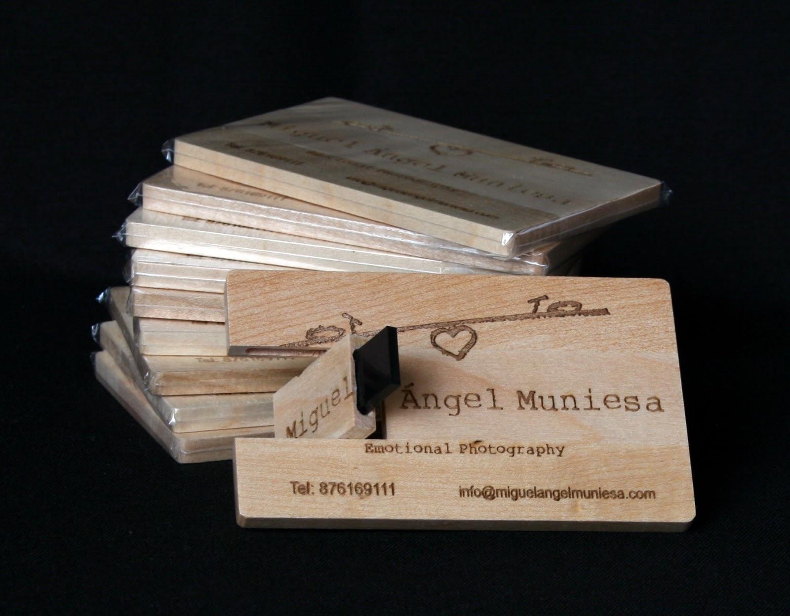 Pendrive Card en madera 3