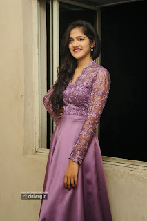 Actress-Simran-Chowdary-New-Photo-Gallery