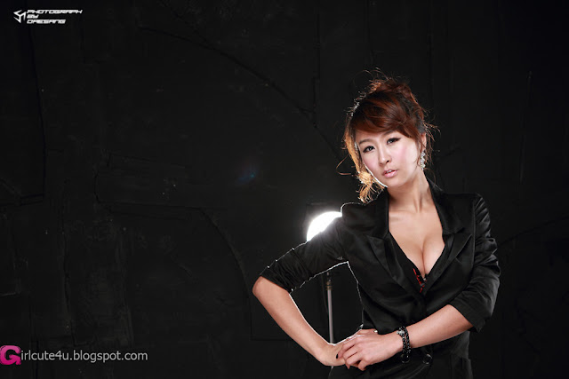 1 Seo Yoon Ah - Sexy in Black-very cute asian girl-girlcute4u.blogspot.com