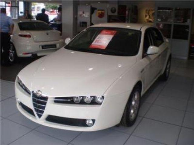2011 white  Alfa Romeo 159 Saloon