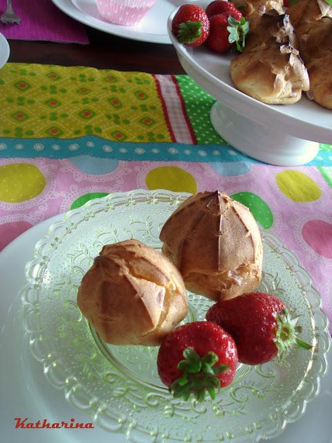 Windbeutel mit Erdbeersahne auf www.katharinakocht.com