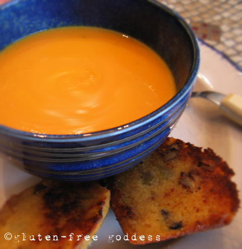 Karina's easy, delicious vegan carrot soup recipe. #glutenfree