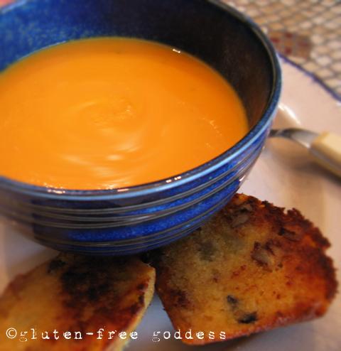 Karina's easy, delicious vegan carrot soup recipe. #glutenfree