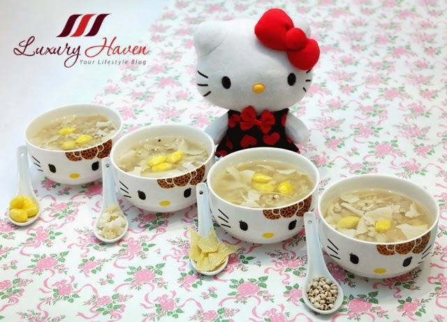 barley with ginkgo nuts in hello kitty bowls