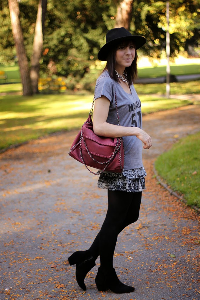 outfit trend fashionblogger streetstyle margiela skirt boots taupage fringe lederjacke falballa chainbag 03