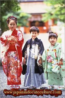 anak kecil merayakan shichigosan
