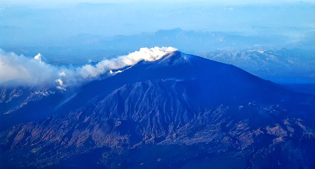 10 Most Famous Volcanoes in the - 39.2KB