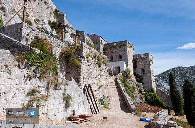 fortaleza medieva de Kliss Juego de Tronos 4 - Juego de Tronos en los siete reinos