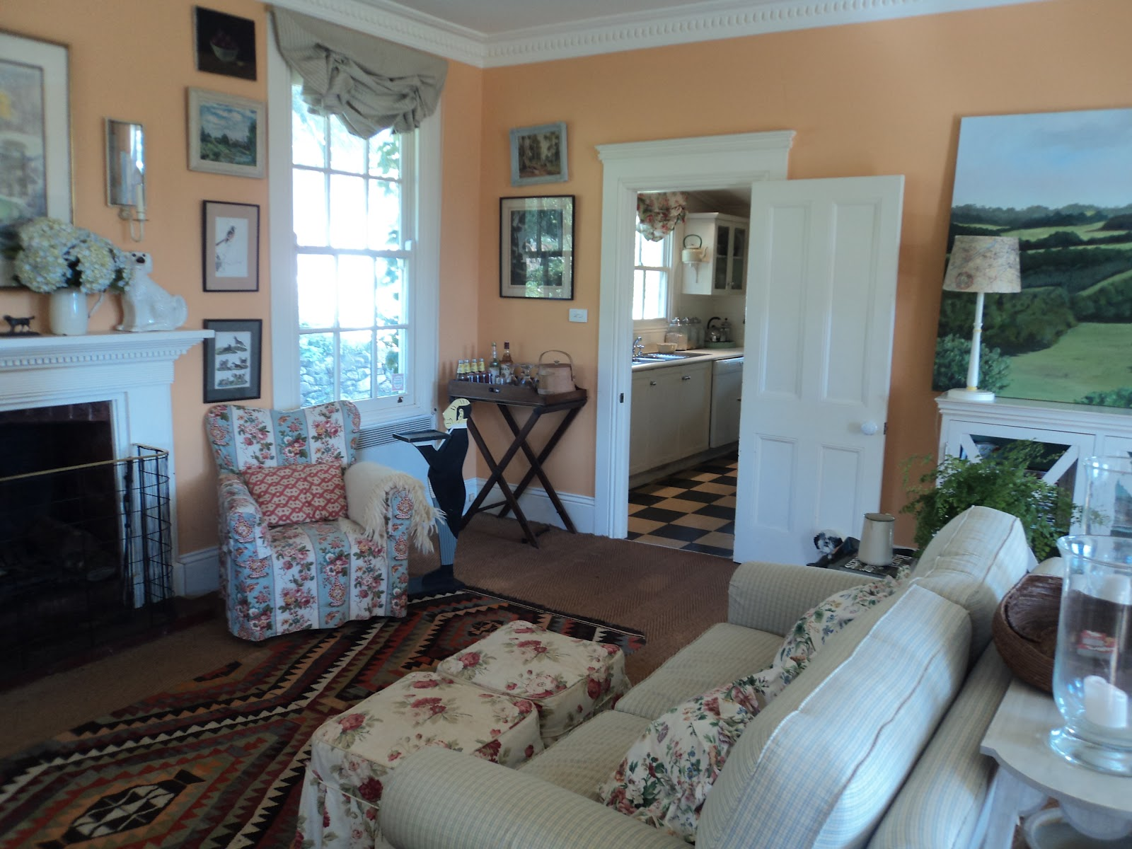 Bumble at Home: April 2012