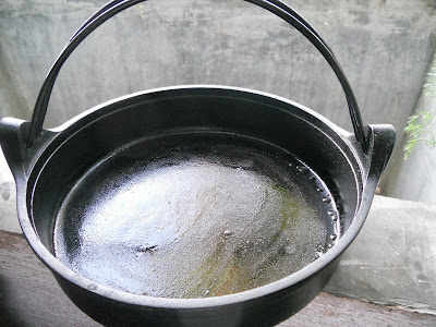 How I maintain the non-stick finish of my cast iron skillet