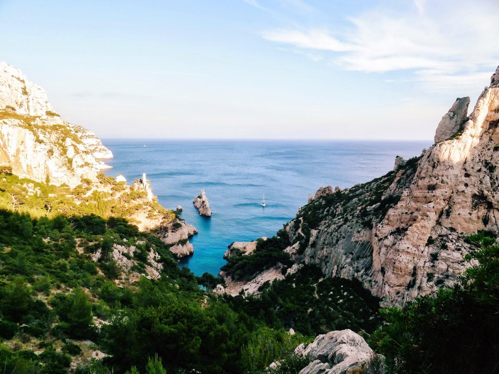 calanque de Sugiton, Marseille - www.hellolaroux.com