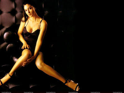 monica_bellucci_wallpaper_in_mood_sweetangelonly.com