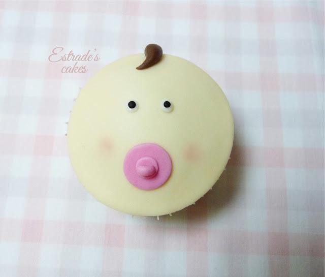 cupcakes con fondant para nacimiento de niña - 4