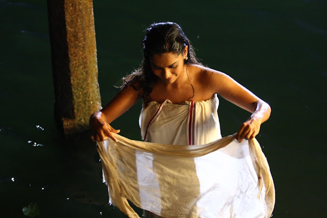 Tamil Actress Sandhya Hot Stills from Ruthravathy Movie