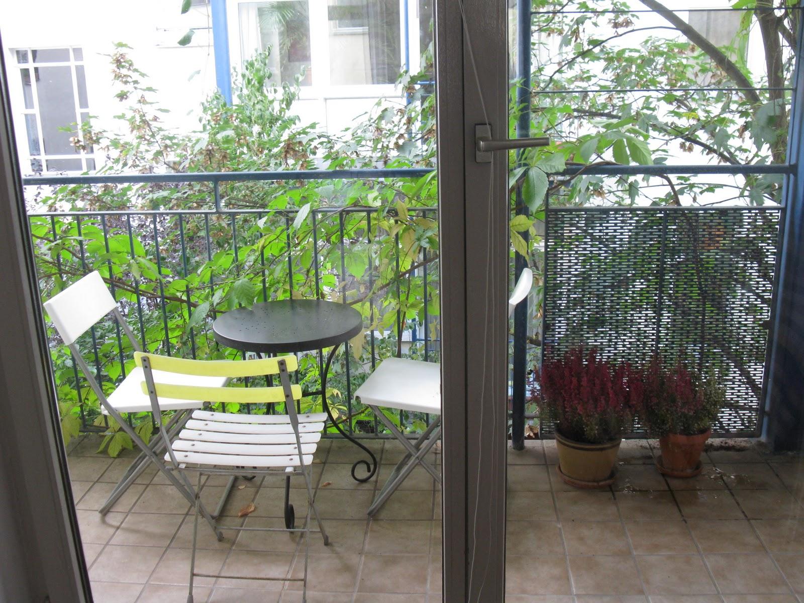 the deutschland diaries herbstblumen auf dem balkon. Black Bedroom Furniture Sets. Home Design Ideas
