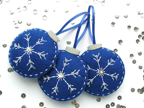 http://www.tescoliving.com/smart-living/how-to/2014/november/how-to-make-embroidered-felt-snowflake-baubles