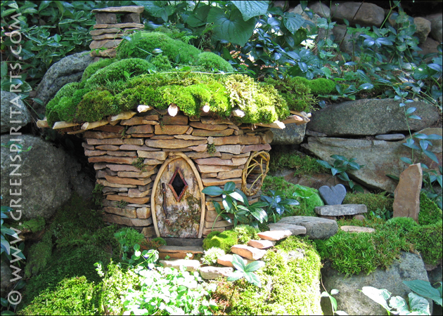 Stone art blog miniature stoneworks giants amongst pebbles for How to build a stone cottage