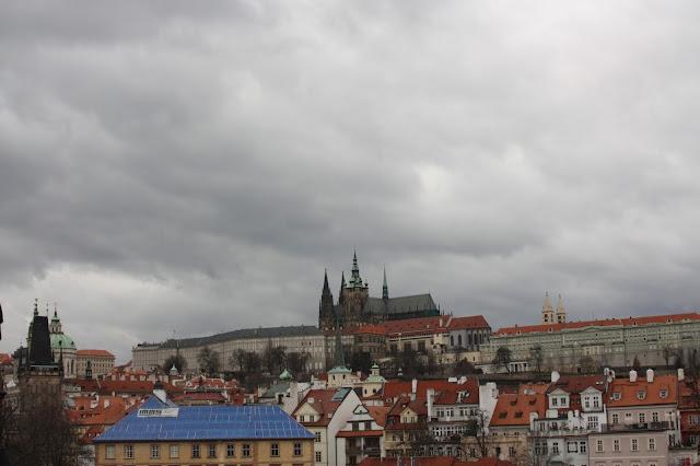 Вид с Карлова моста, Прага, Чехия.