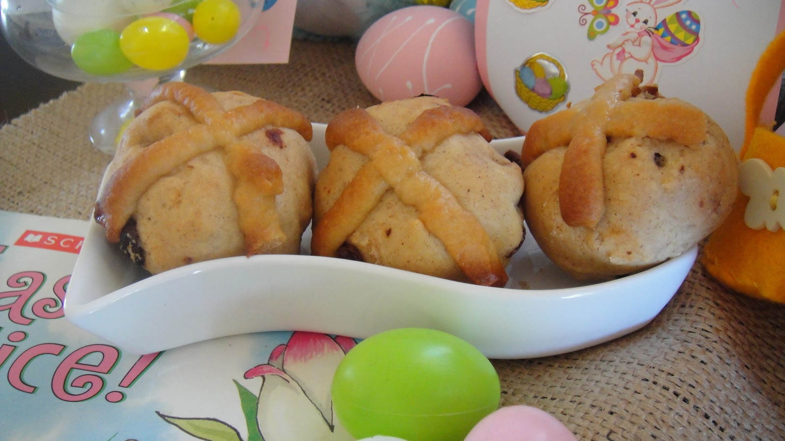 mums in the kitchen healthy easter low fat hot cross buns. Black Bedroom Furniture Sets. Home Design Ideas