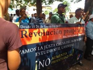 Cientos marchan en contra de la privatización de la UASD