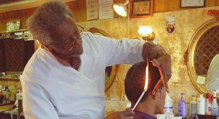 potong rambut pakai api