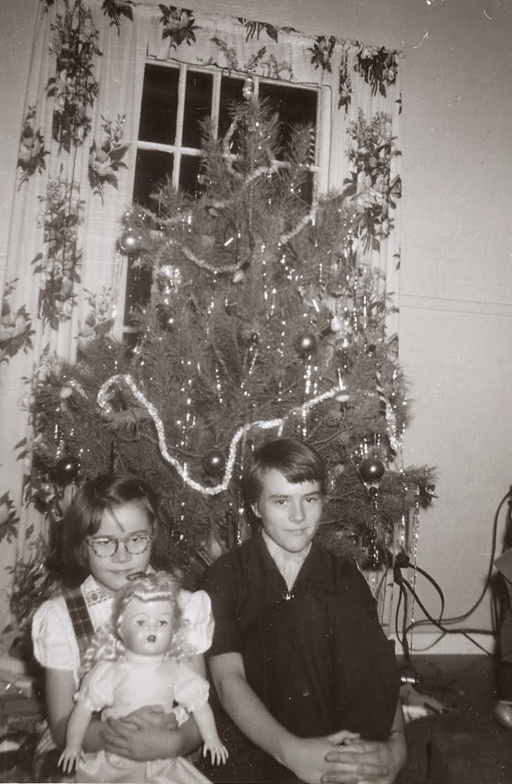 Olive Tree Genealogy Blog: Christmas Photos and Memories
