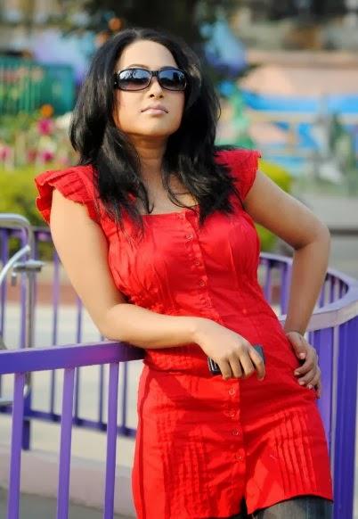 Bangladeshi hot model girl Emi