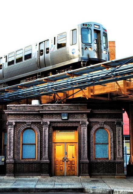 Old Chicago Avenue Station Entrance