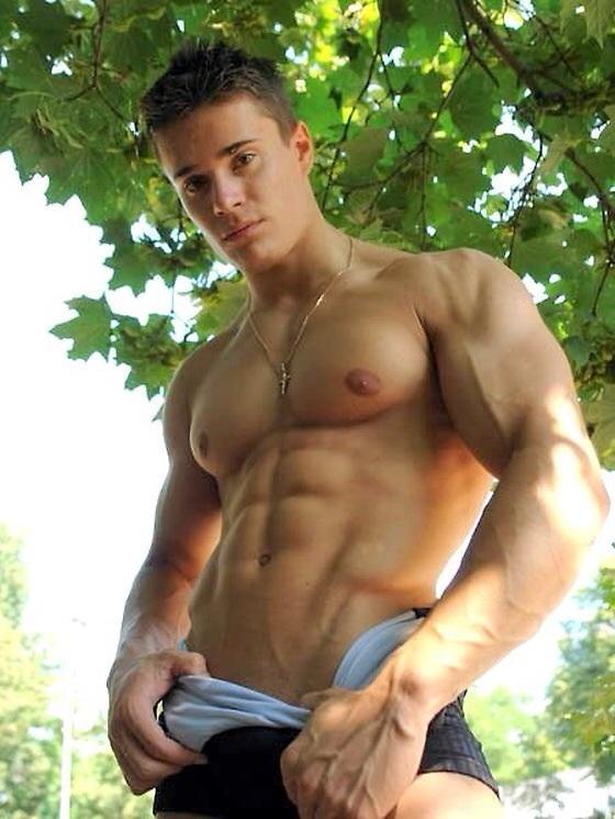 Fotos De Homens Sarados Tirando A Roupa Boy Gostoso Sem Camiseta