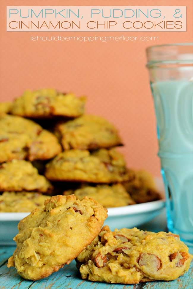 Pumpkin, Pudding, and Cinnamon Chip Cookies that are TO DIE FOR! The perfect fall cookie!
