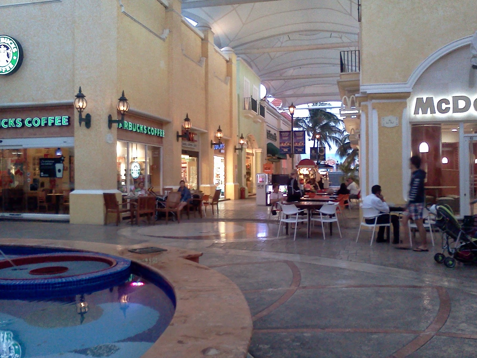 La Isla Mall View of Restaurants