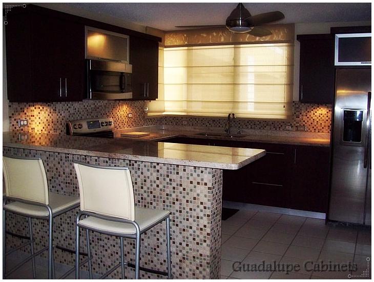 Muebles De Baño En Pvc Puerto Rico:de gabinetes de cocina, 100% madera o PVC, topes en granito, cuarzo o