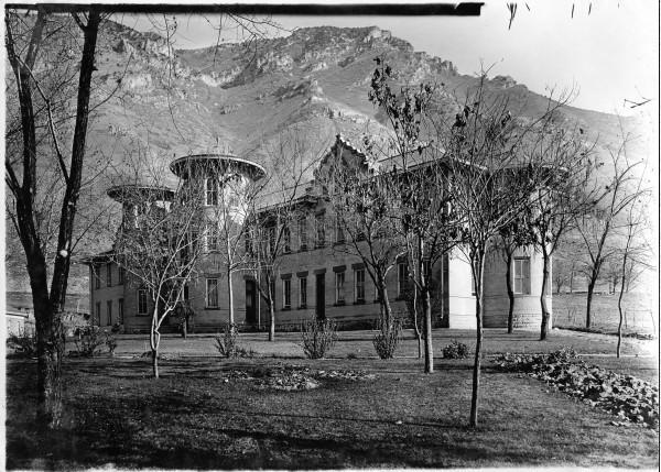 Utah 39 s present history utah state hospital for Building a house in utah