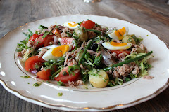 Salat med tunfisk og ansjos er overraskende digg!