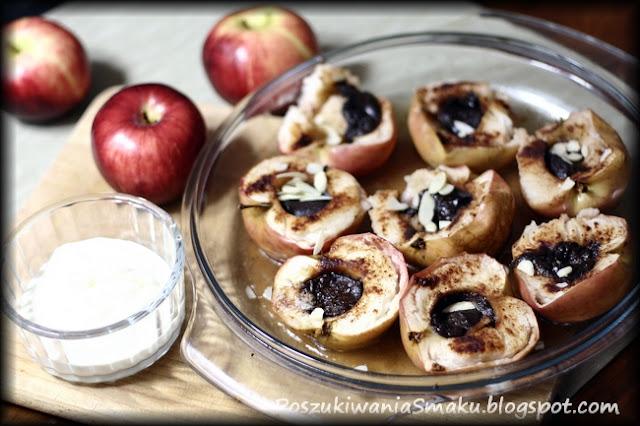 pieczone jabłka z czekoladą