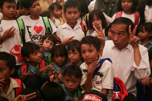 Pemeritahan Jokowi diminta merevisi Kurikulum 2013