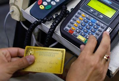 kartu kredit mengamankan asset toko
