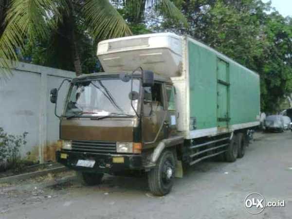 Truck Mitsubishi Bekas Box Freezer
