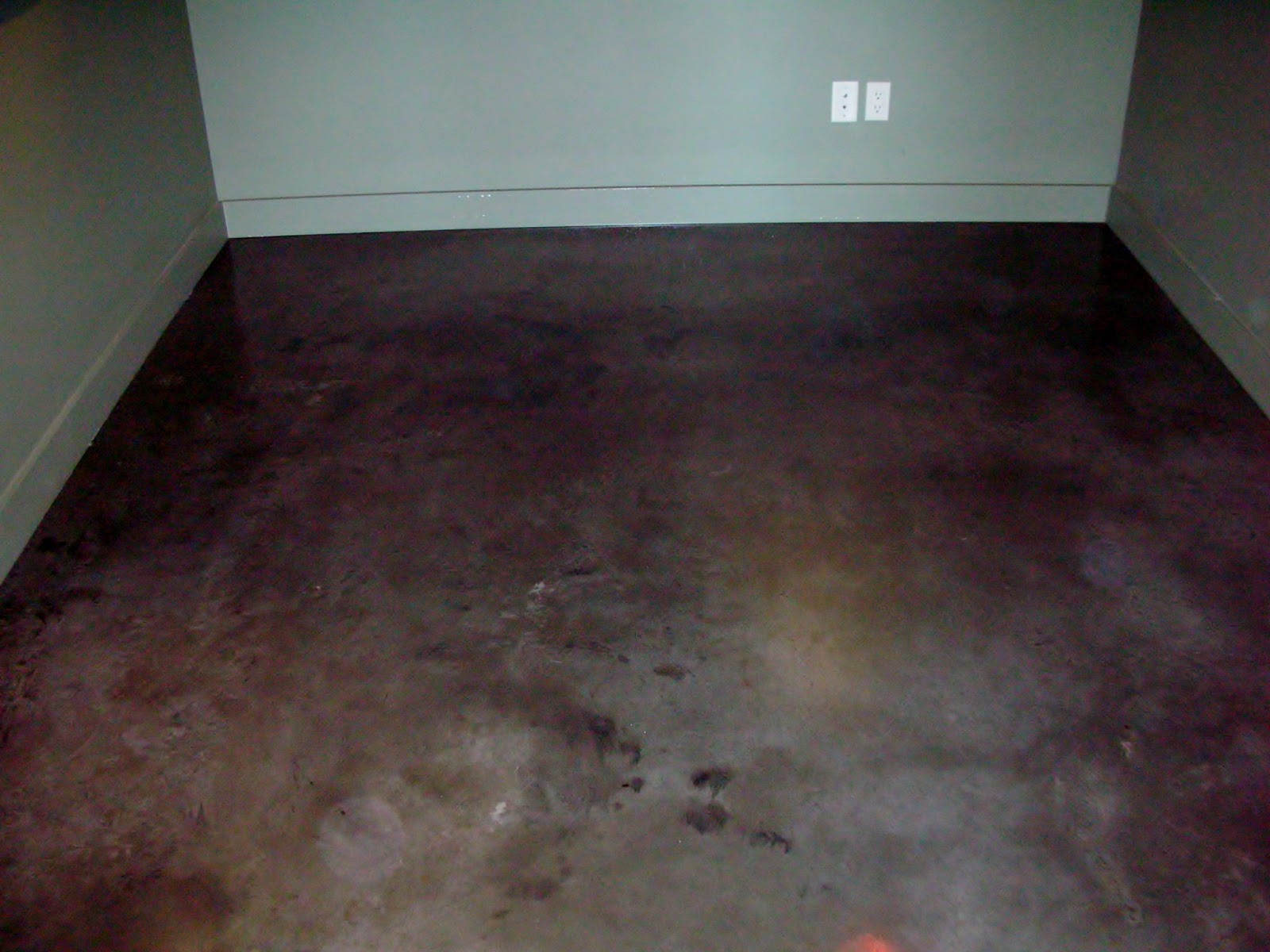Mode concrete what 39 s with all the hype about concrete for Floor wax for concrete floors