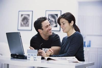 6 أشياء يبحث عنها الرجل في المرأة كي يتزوجها  - رجل وامرأة منسجمان محبان متحابان حب غرام عاطفة