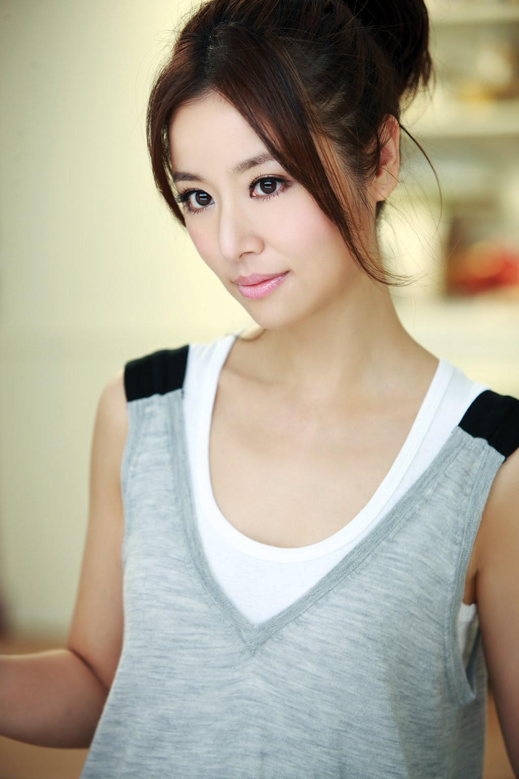 A cute china model show me her hole 10