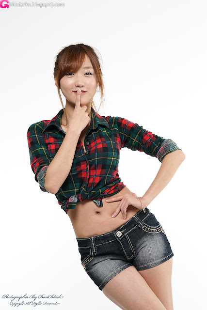 So-Yeon-Green-Squared-Blouse-With-Shorts-05-very cute asian girl-girlcute4u.blogspot.com