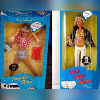 Muñecas con raros accesorios