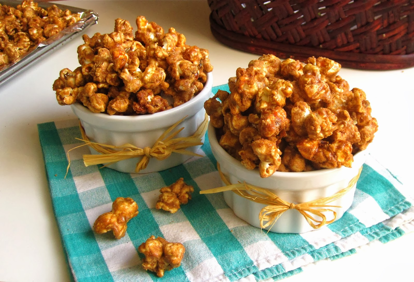 Как сделать сладкий попкорн с карамелью в домашних условиях