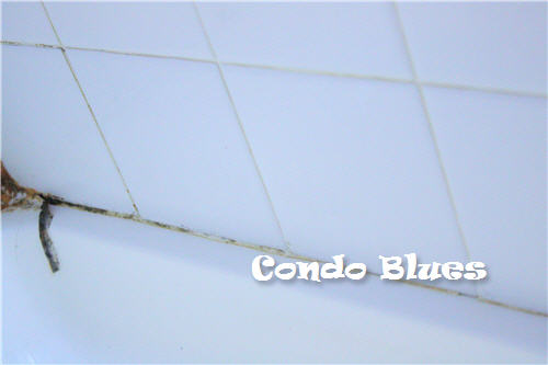 Condo Blues How To Recaulk A Bathtub Or Shower