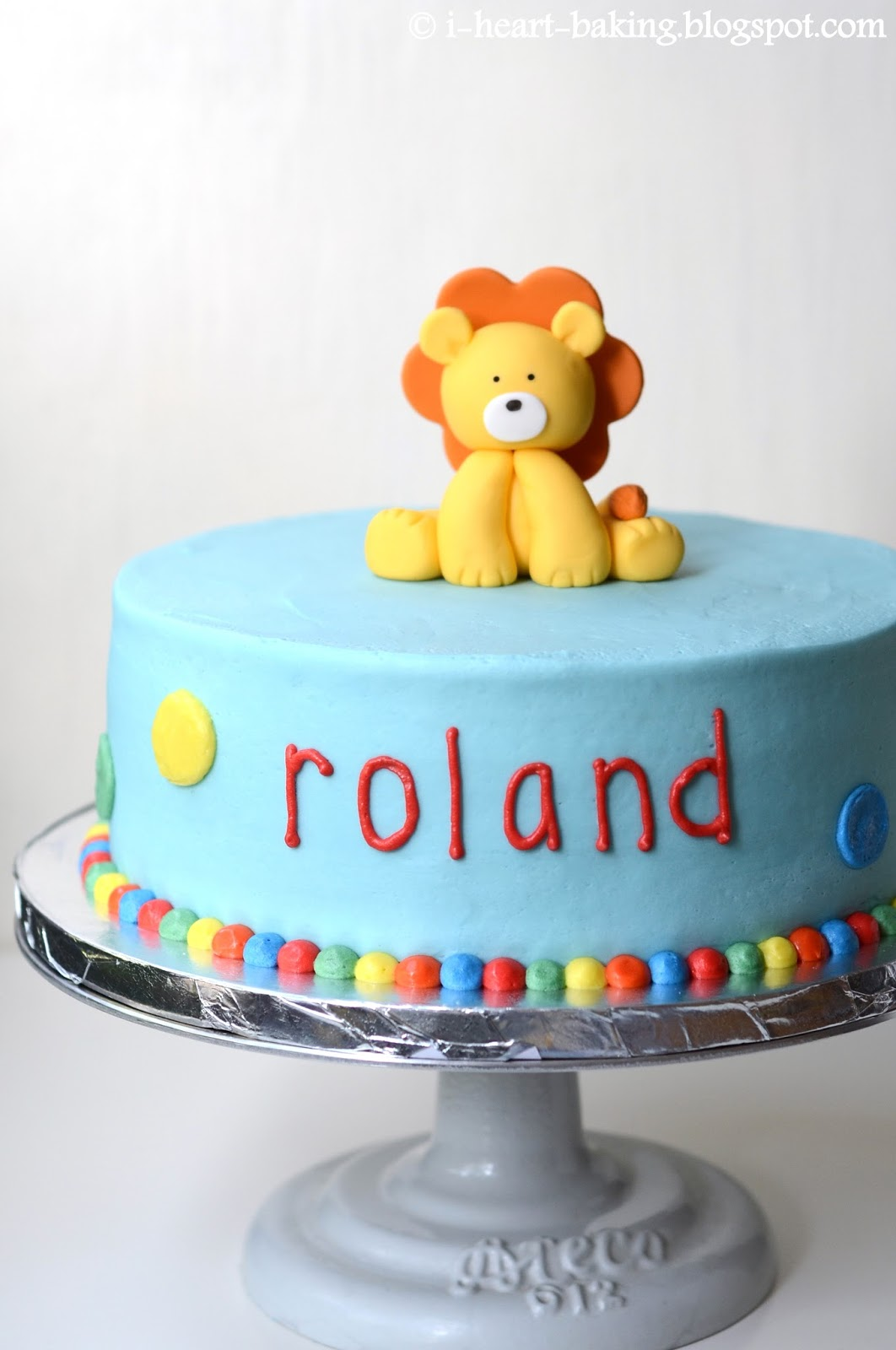 i heart baking circus carnival cake with handmade fondant lion topper