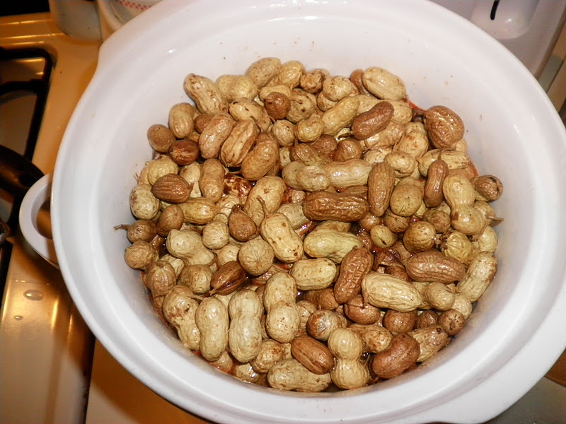 Simply Self Sufficiency: Boiled Peanuts