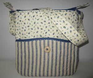 Väska i blått/naturvitt
