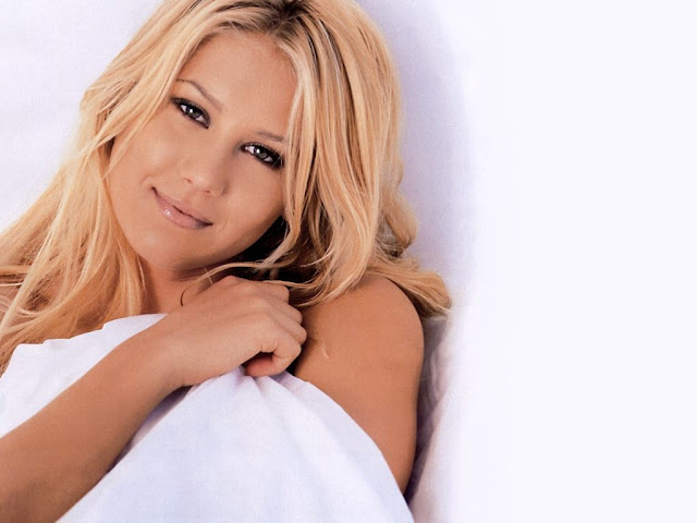 Anna Kournikova Photo Gallery